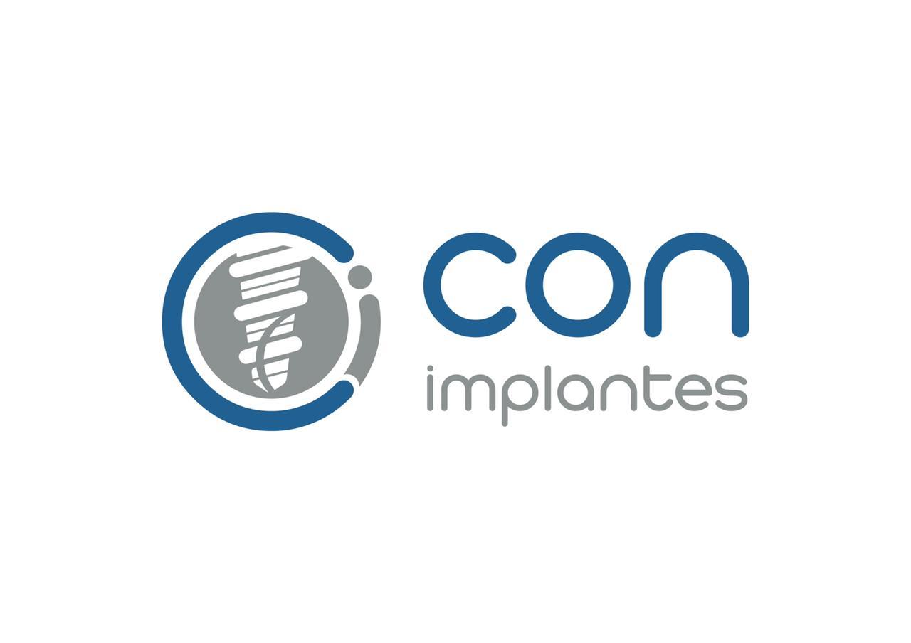 Con Implantes